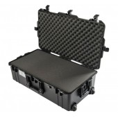 Peli 1615 Air black with foam